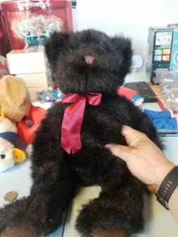 12 vent vintage Russ Black bear with red bow